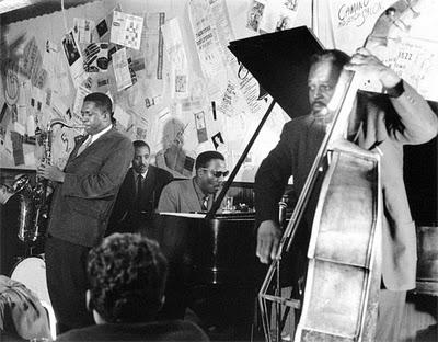 Thelonious Monk y John Coltrane en el Five Spot Café en 1957.