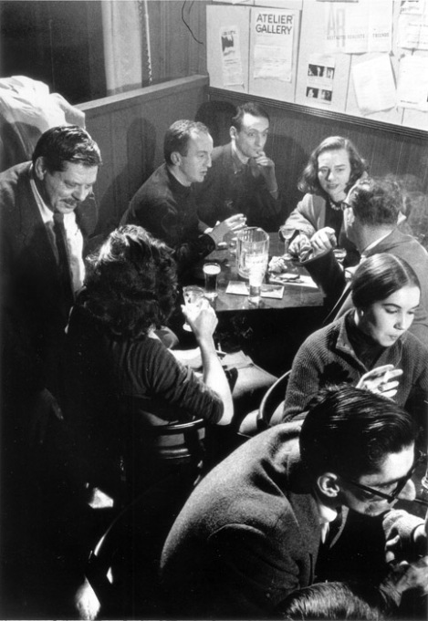 Grace Hartigan, Larry Rivers, Frank O'Hara y Worcester en el Five Spot Café (Nueva York).