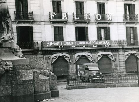 Hotel Falcón durante la guerra civil española. Actualmente se encuentra allí la Biblioteca Andreu Nin, en las Ramblas.
