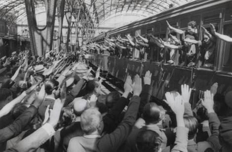 Salida de voluntarios de la División Azul _5 de julio de 1941.- Fotografía: Pérez de Rozas